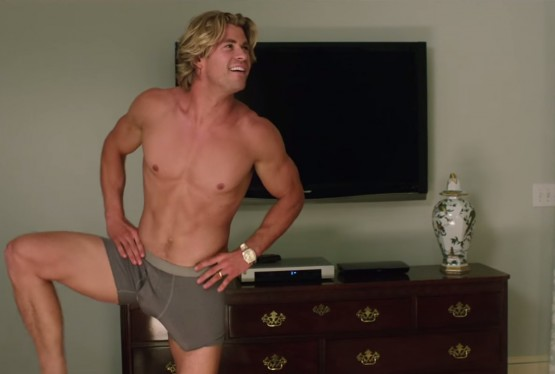 Le membre (marteau) de Chris Hemsworth (Thor) dans Vacation.