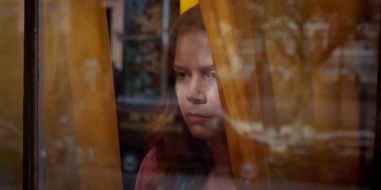 Bande annonce La femme à la fenêtre avec Amy Adams.