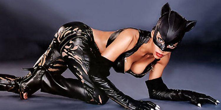 Halle Berry parle de son rôle de Catwoman.
