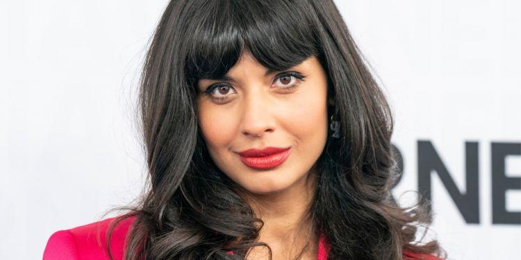 Jameela Jamil s'entraîne pour son rôle dans She-Hulk.