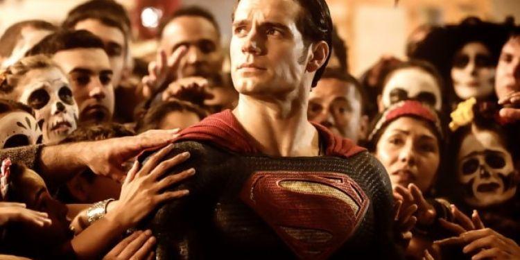 On n'a pas fini de retrouver Henry Cavill dans le costume de Superman