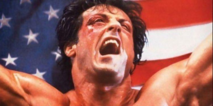 Sylvester Stallone écrit une série sur la jeunesse de Rocky.