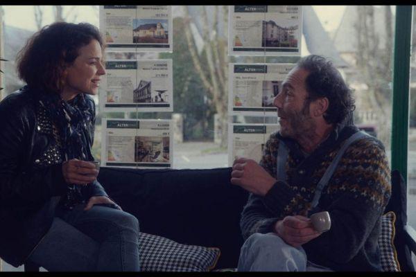 des plans sur la com te de guilhem amesland 2016 cine974. Black Bedroom Furniture Sets. Home Design Ideas